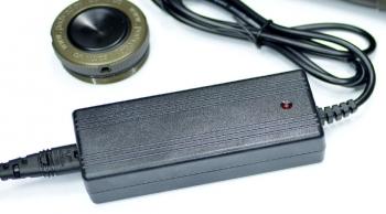 Автоматическое зарядное устройство 16,8V 2.0A